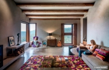 purple-red-cowhide-rug-villa-cp-jesusgranada-jg443-100
